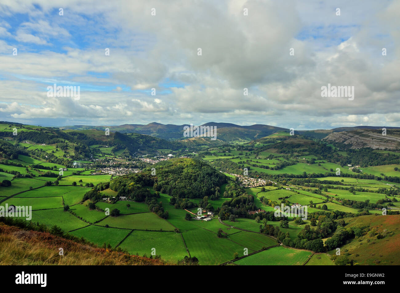 The beautiful vale of Llangollen, Dee Valley from the mountain top. Stock Photo