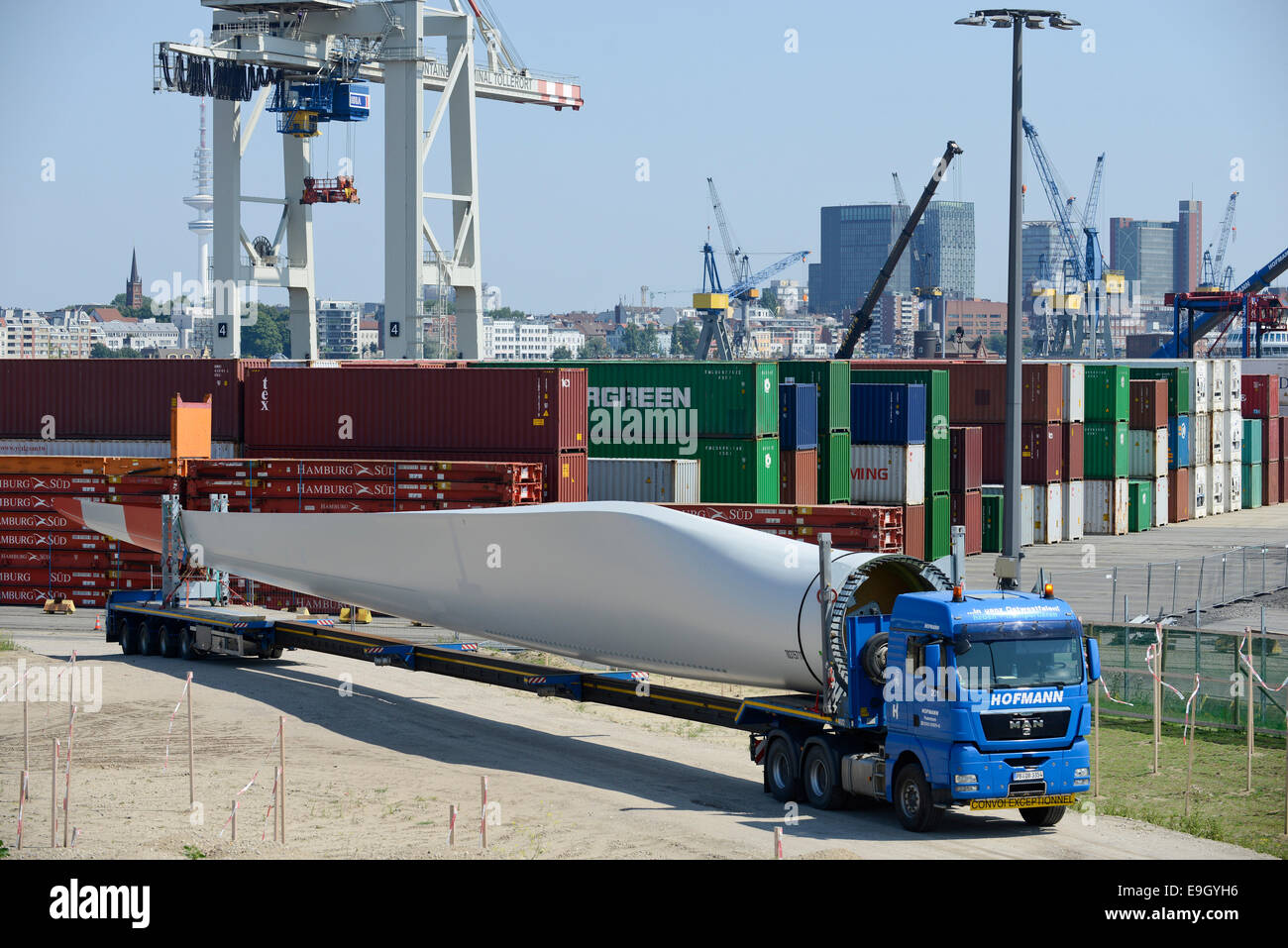 GERMANY Hamburg, truck transport rotor blade for new Nordex wind turbine from harbour to construction site - Stock Image