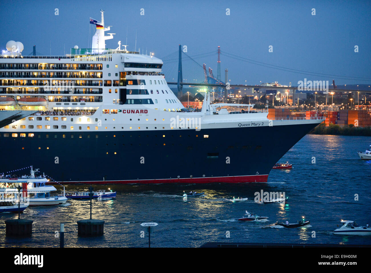 GERMANY Hamburg, cruising ship Queen Mary II of Cunard line at river Elbe in Hamburg harbour Stock Photo