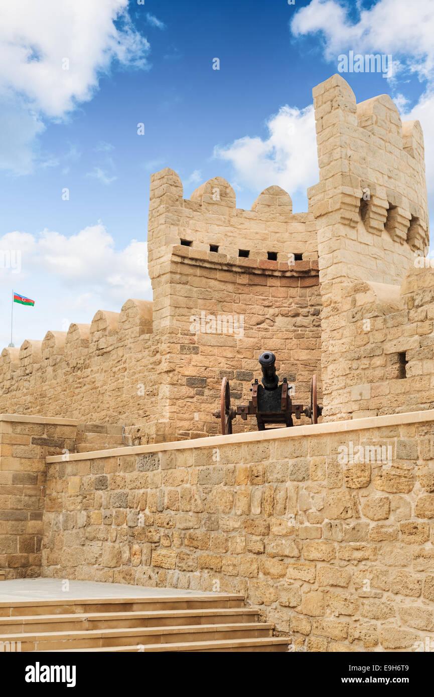 Old canon Turkish top in city wall Icheri Sheher (Old Town) of Baku Azerbaijan - Stock Image