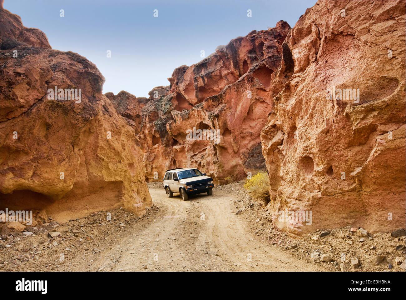 Road at Red Rock Canyon, Mojave Desert, north of Bishop, California, USA - Stock Image