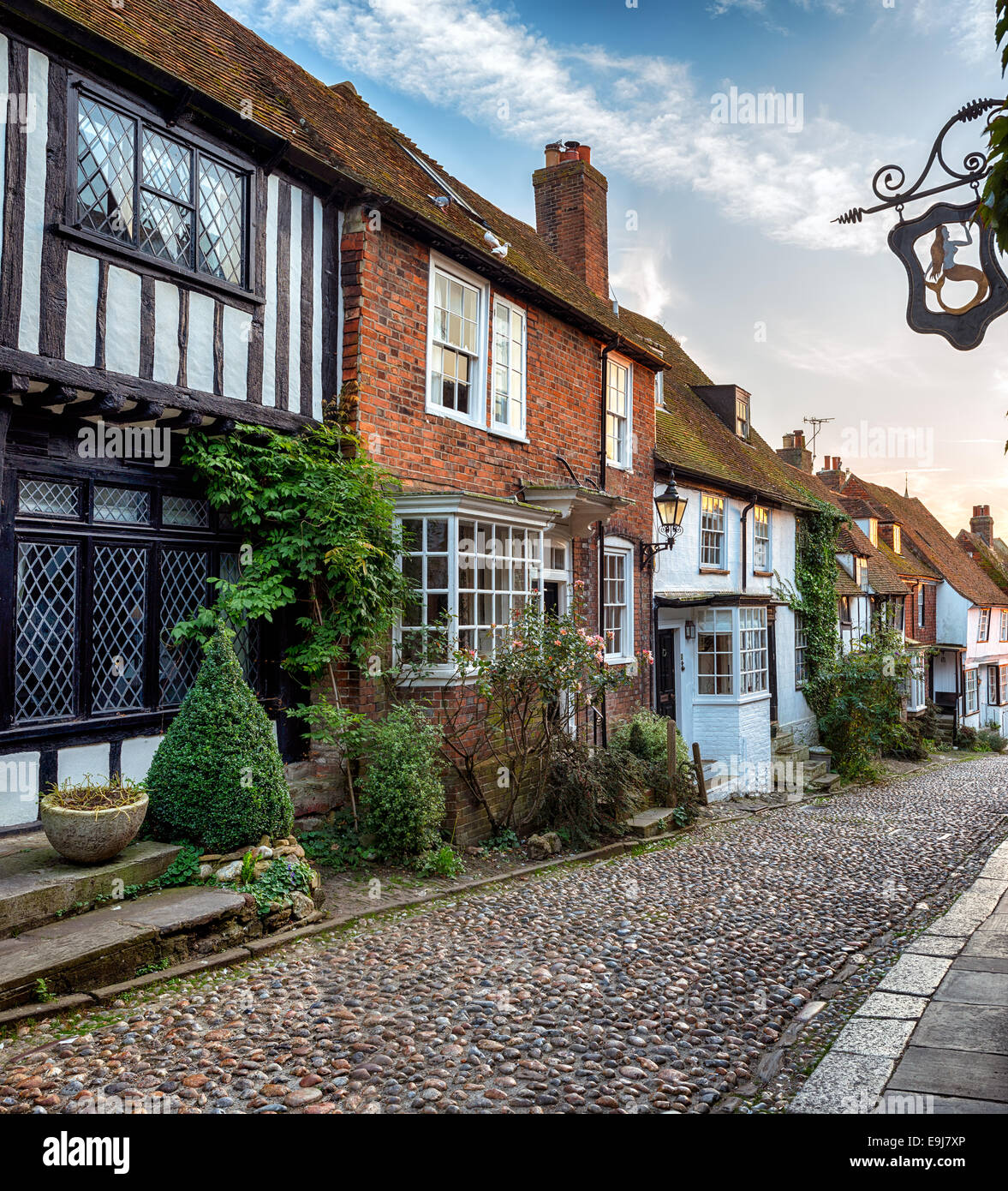 A row of beautiful old houses on a cobbled street in Rye, East sussex - Stock Image