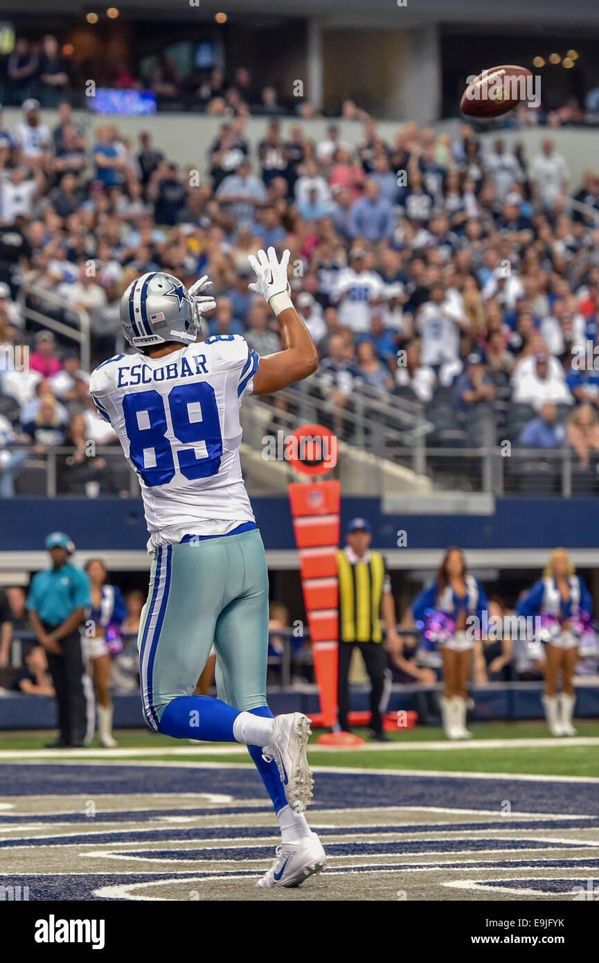 super popular 34af5 cd20c Dallas Cowboys tight end Gavin Escobar (89) catches a pass ...