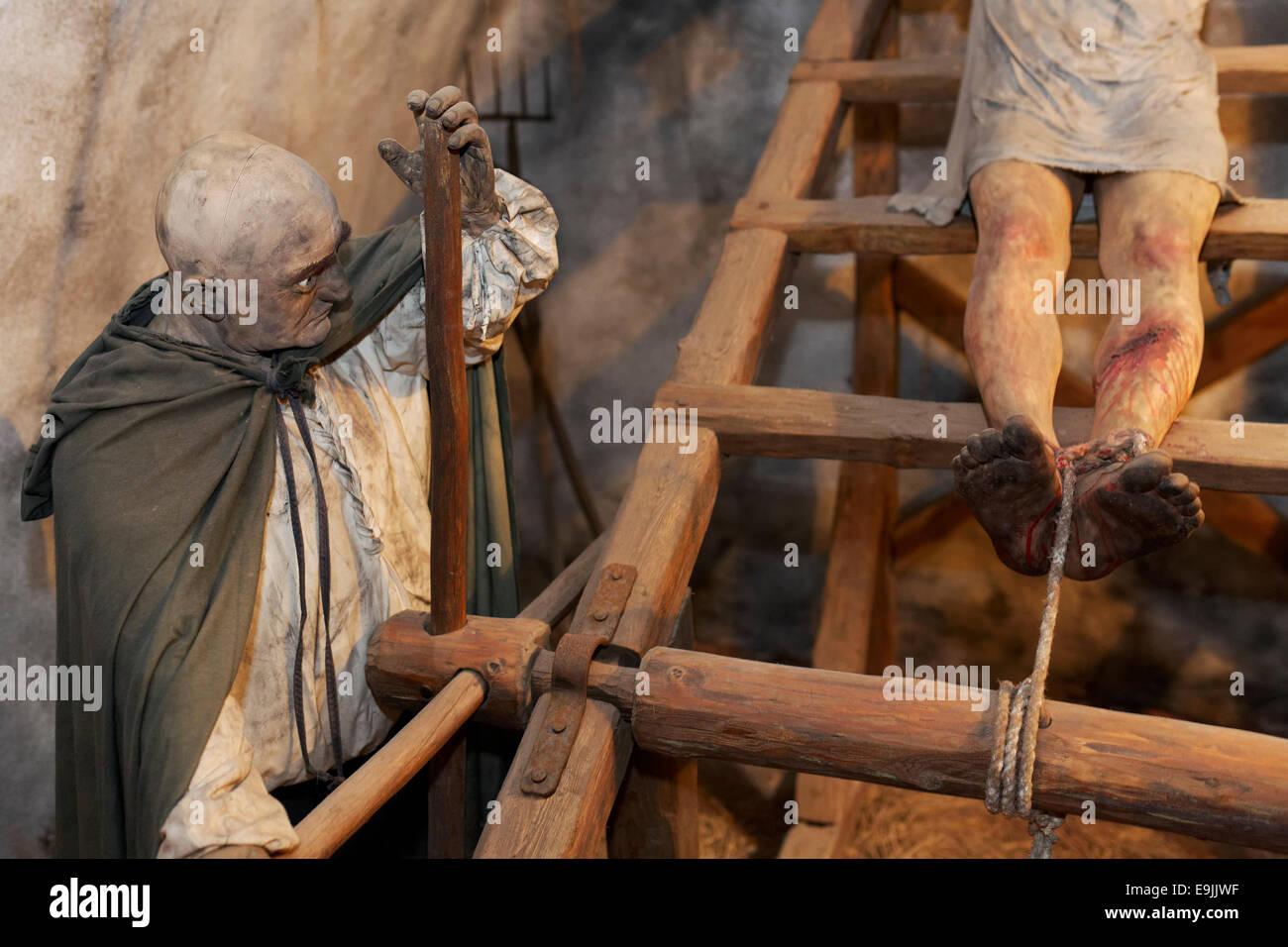 Man being tortured on a rack, lifelike characters, torture chamber of Loket Castle, Loket, Karlovy Vary Region, - Stock Image