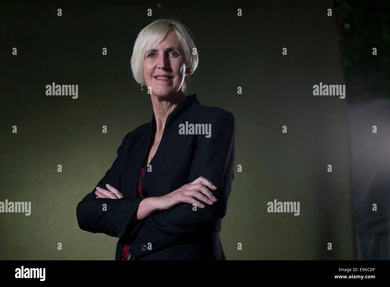 Crime novelist and screenwriter Lin Anderson appears at the Edinburgh International Book Festival. - Stock Image