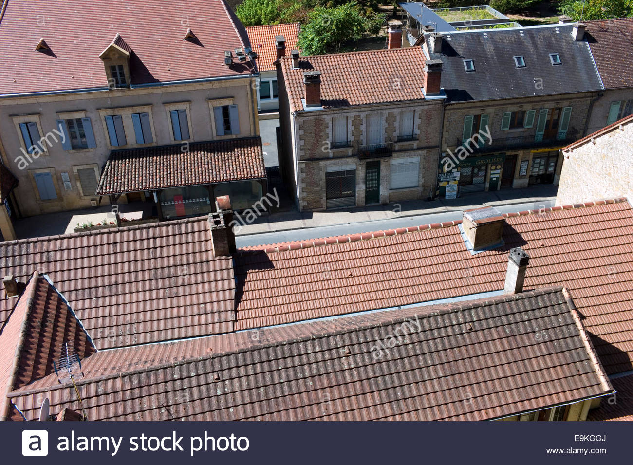 Tiled roofs in the town of Les Eyzies de Tayac En Perigord, Dordogne, France - Stock Image