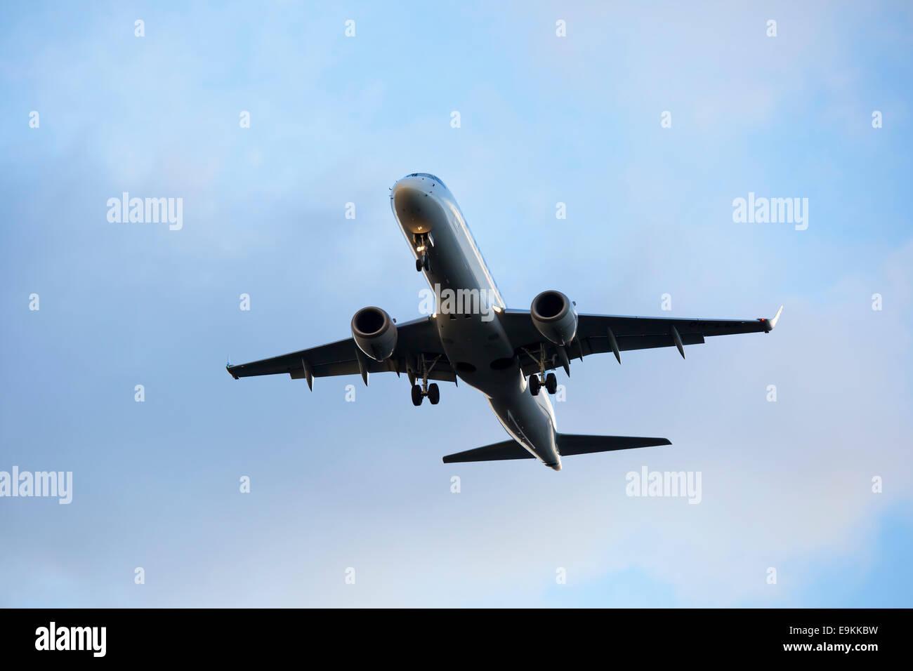 Embraer ERJ-190-LR (ERJ-190-100ER) OH-LFK Finnair on approach to land at Manchester Airport - Stock Image