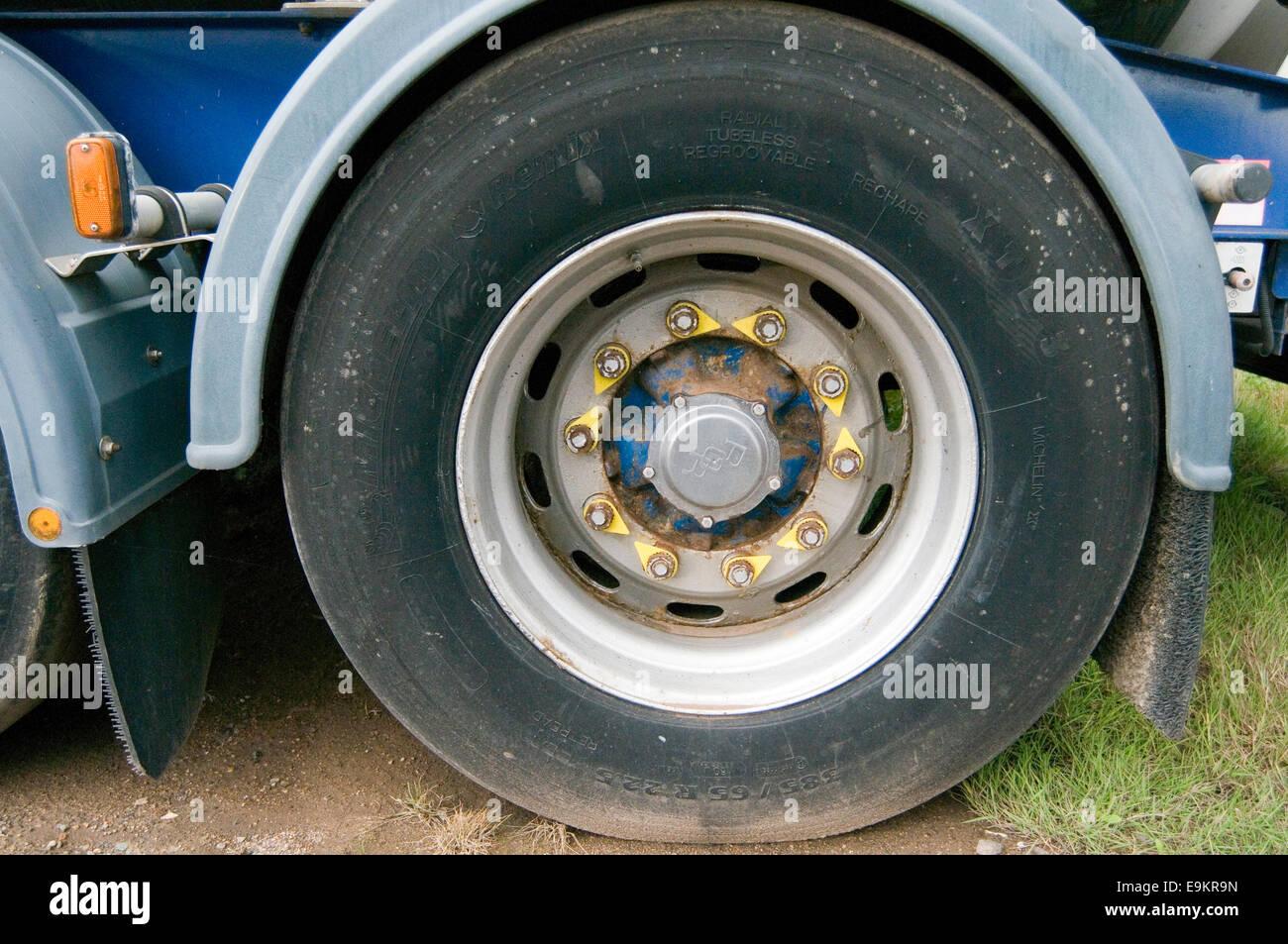 Loose Wheel Nut indicator indicators nuts visual check checks inspection truck trucks wheels lorry lorries safe - Stock Image