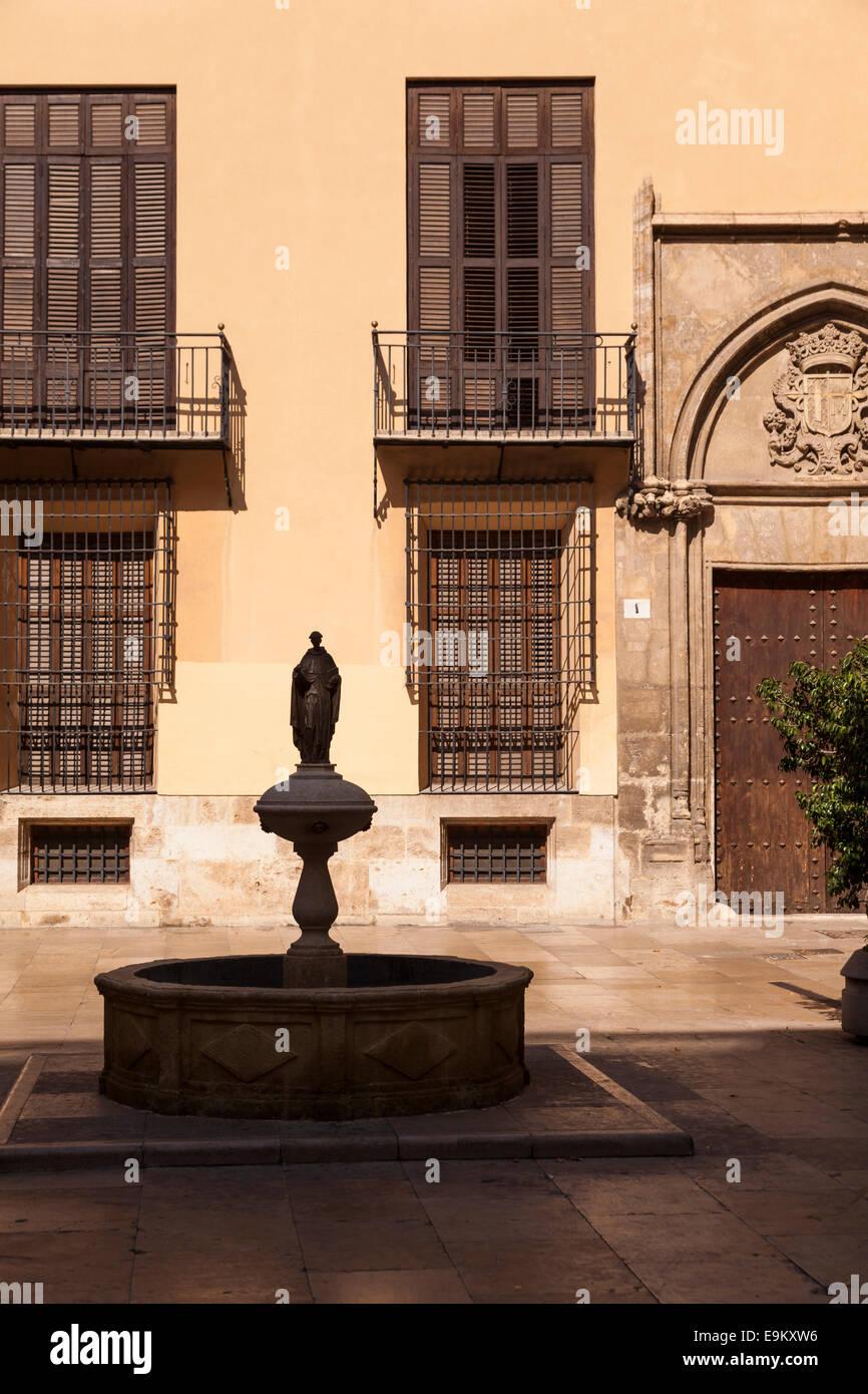Fountain in the Plaza de San Lluis Bertran in Valencia, Spain. - Stock Image