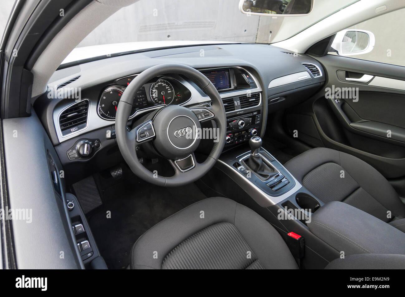 Audi A4 Limousine 2.0 TDI quattro edition - Stock Image