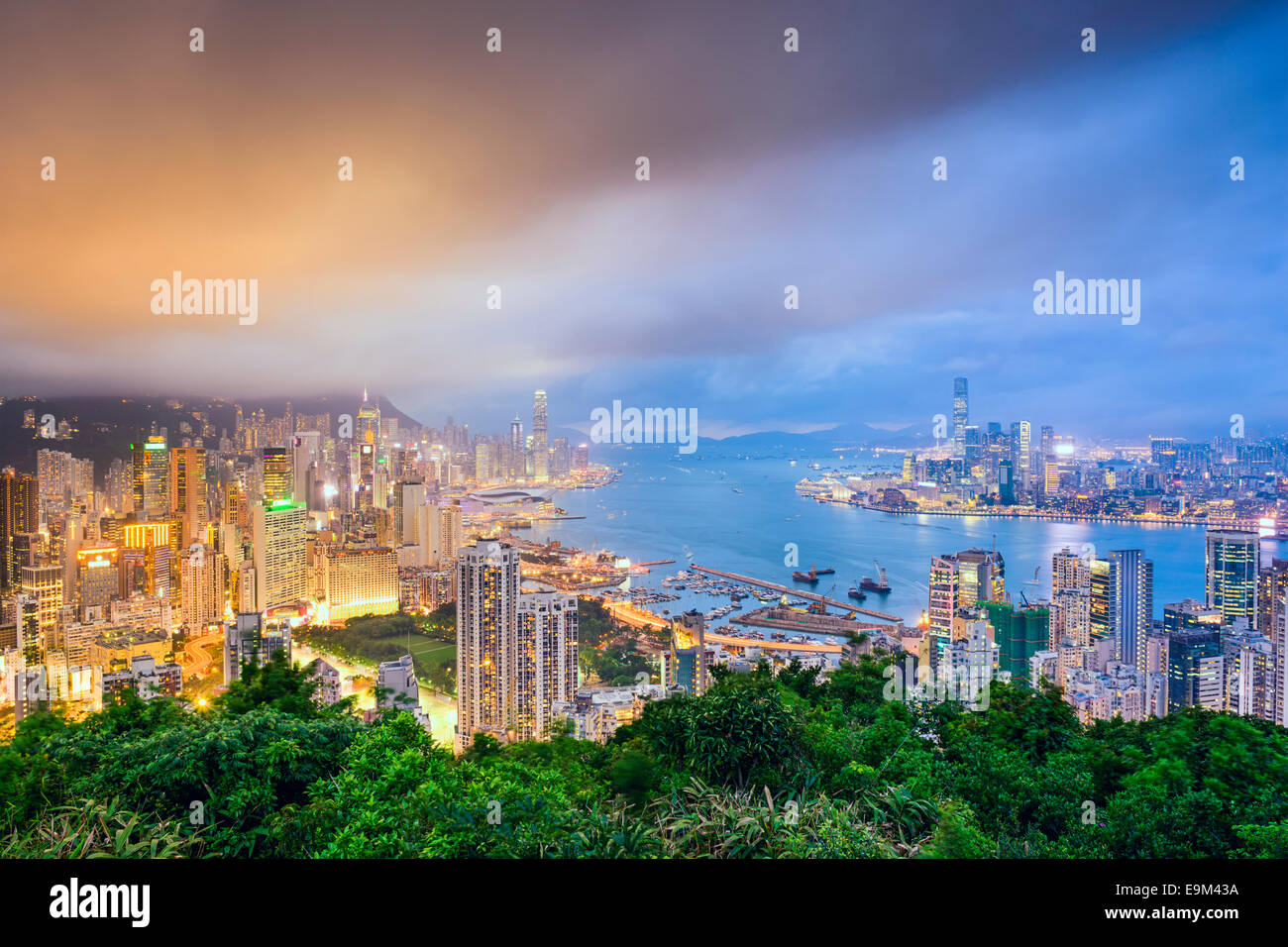Hong Kong, China city skyline from Braemer Hill. - Stock Image