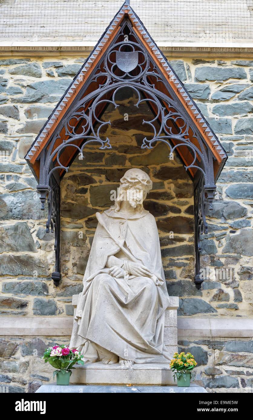 Statue of Jesus at Saint Martinus Basilica in Halle, Belgium. - Stock Image
