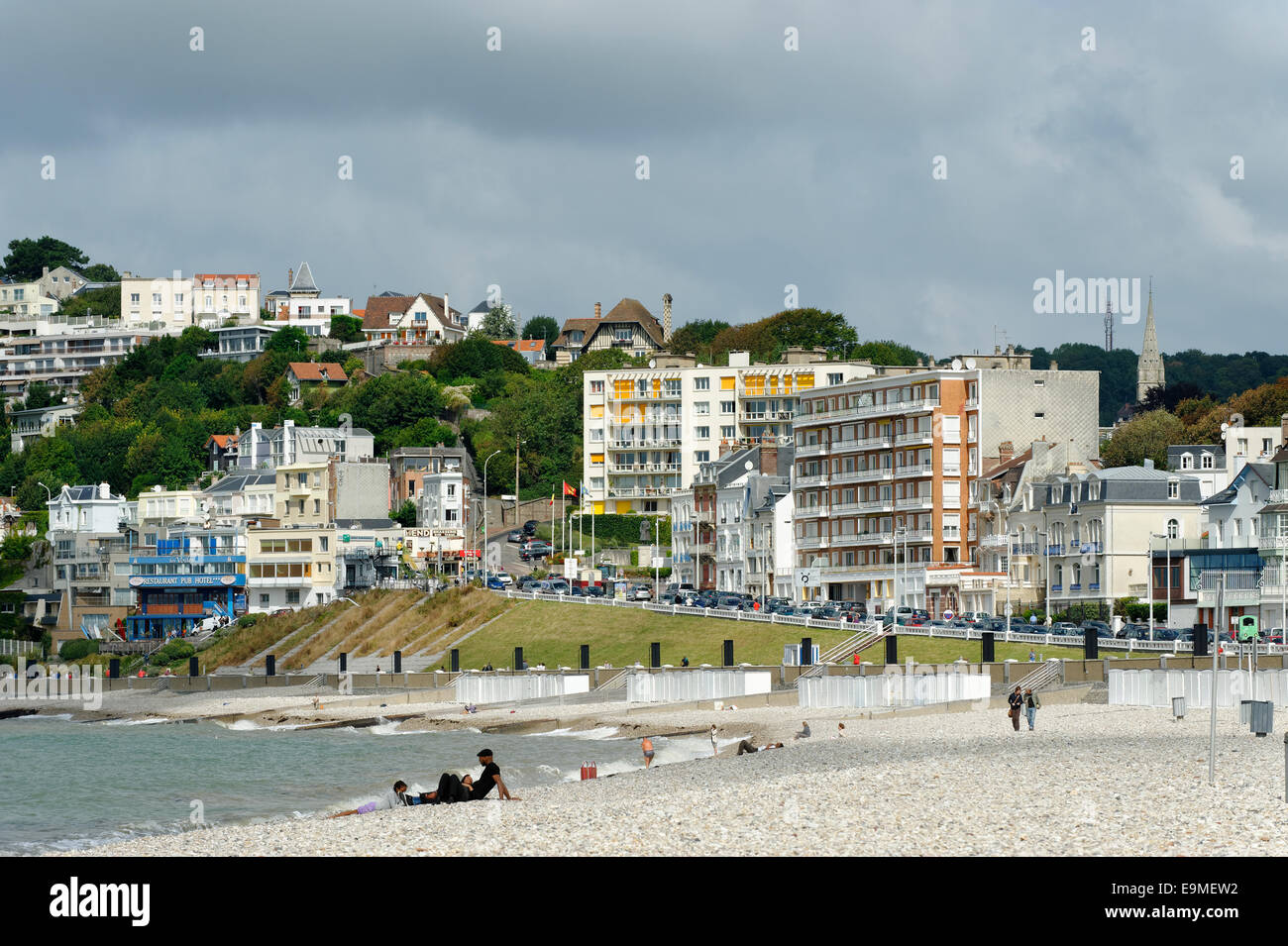 Beach on the Atlantic Ocean, Le Havre, Département Seine-Maritime, Haute-Normandie, France - Stock Image