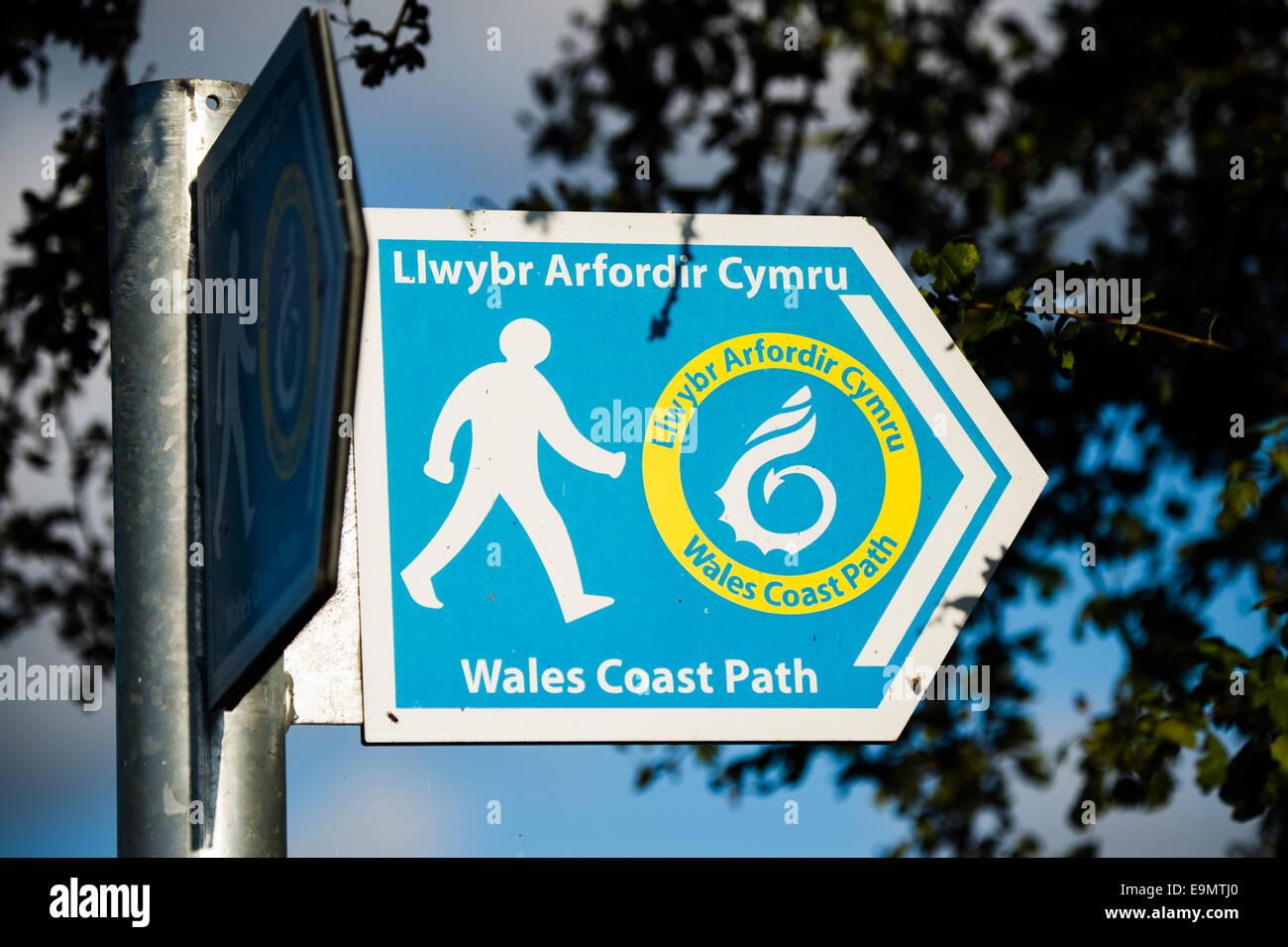 Wales Coast Path / Llwybr Arfordir Cymru bilingual welsh english long-distance footpath sign - Stock Image