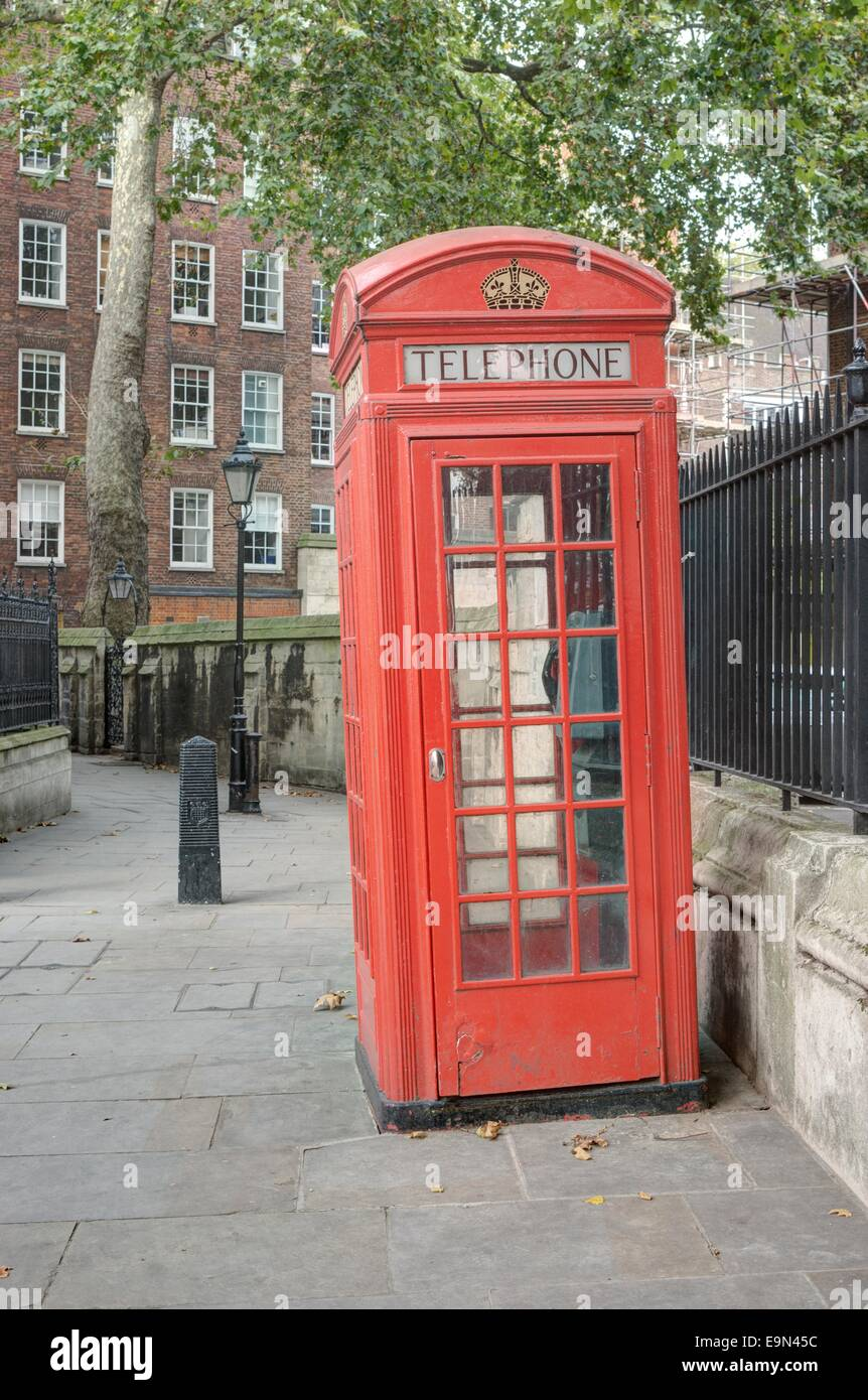 red telephone box london - Stock Image