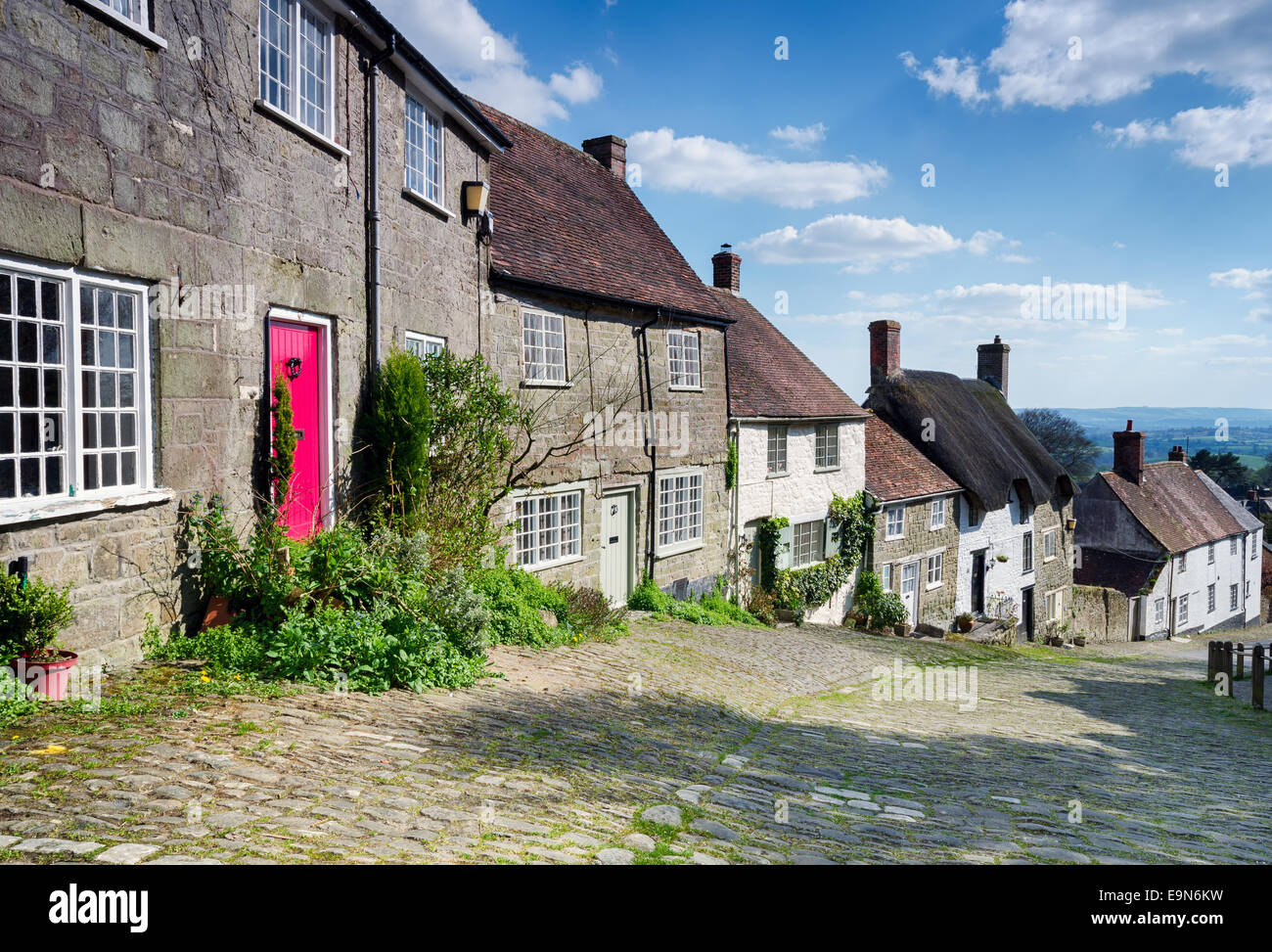 Picturesque English cottages on a cobbled street at Gold Hill in Shaftestbury in Dorset Stock Photo