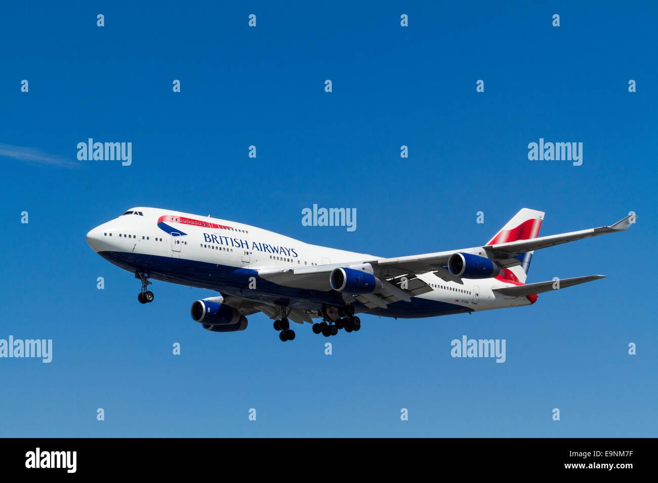 Boeing jumbo jet. British Airways 747-400 plane on its approach for landing at London Heathrow, England, UK Stock Photo
