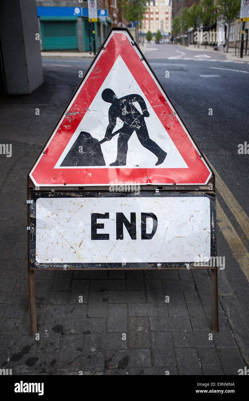 End of roadworks sign with no roadworks in view - Stock Image
