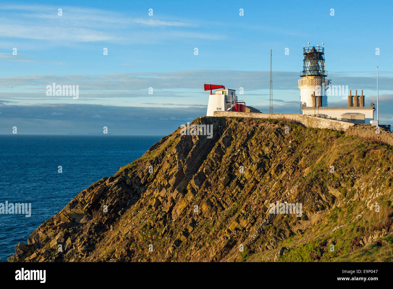 View of lighthouse, fog horn and other buildings, Sumburgh Head, Shetland - Stock Image
