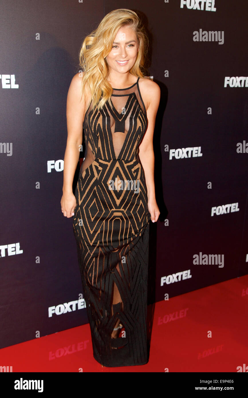 Channel IV's Carrisa Walford arrives on the red carpet for the annual Foxtel MCN 2015 Upfronts. Credit:  Richard - Stock Image