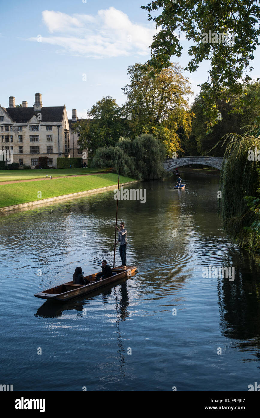 Punting on the River Cam, Cambridge UK - Stock Image
