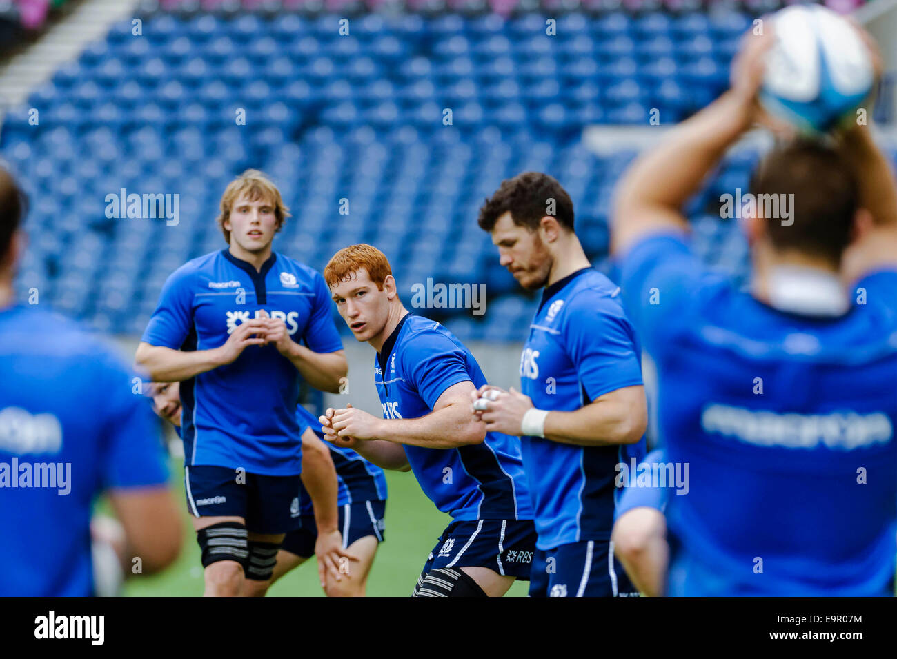 Edinburgh, Scotland, UK. 31st October, 2014, Scotland rugby squad train on the BT Murrayfield pitch ahead of their Stock Photo