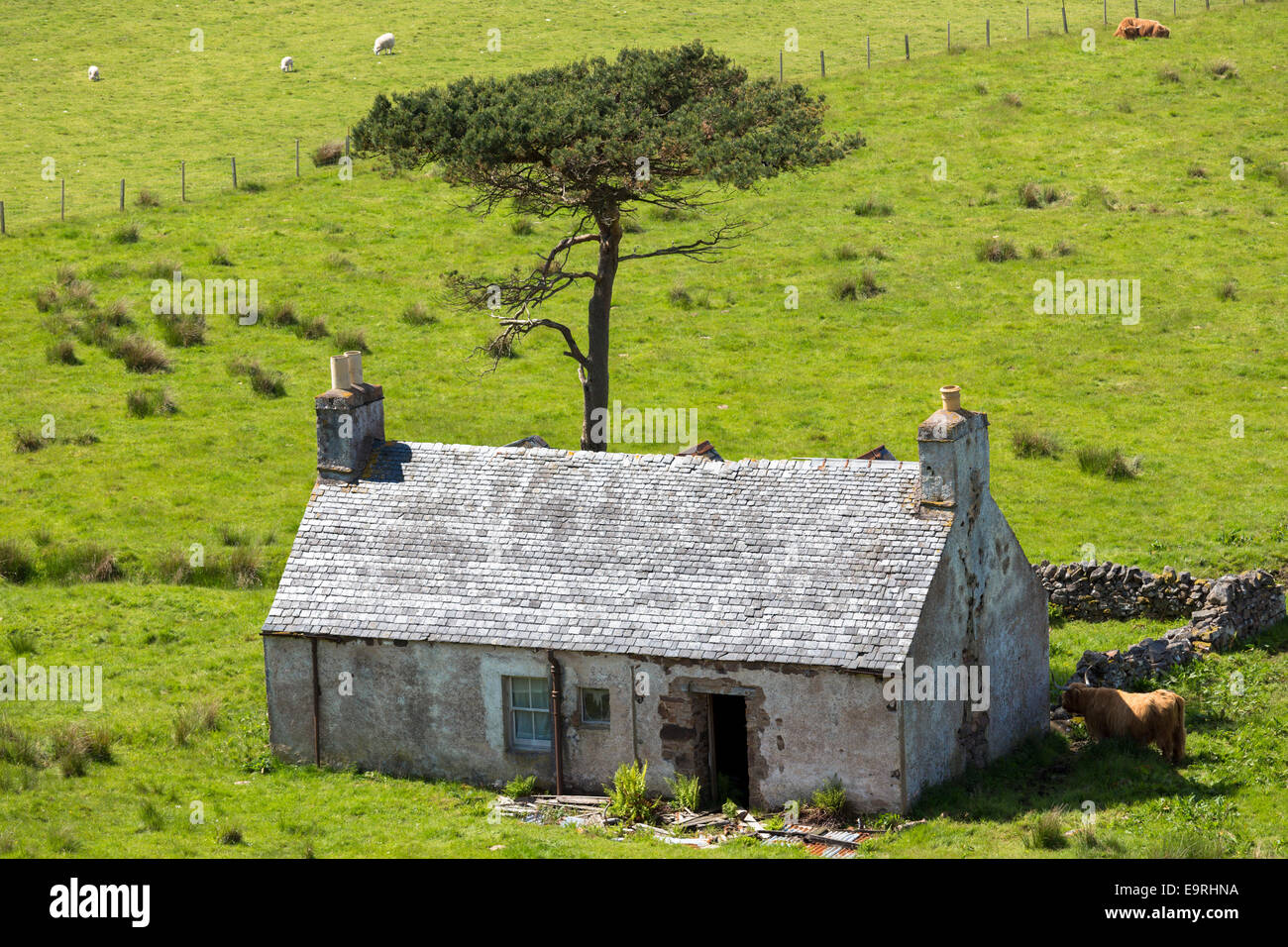 Derelict farm and at Kalnakill near Applecross, Wester Ross in the Scottish Highlands - Stock Image