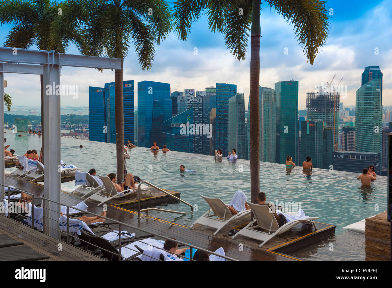 Downtown central financial district viewed from the Infinity pool of the Marina Bay Sands , Singapore - Stock Image