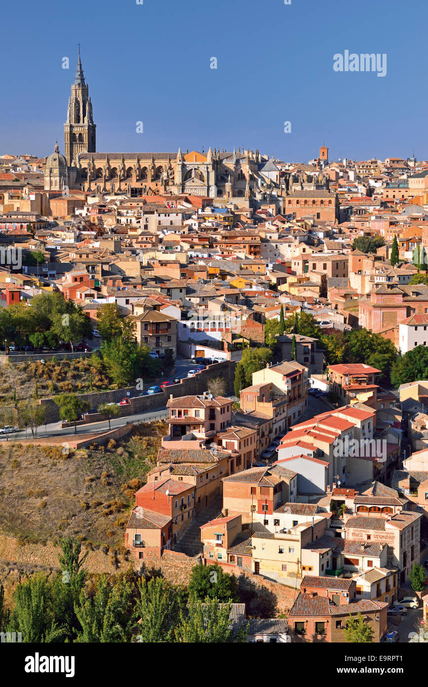 Spain, Castilla-La Mancha: View to the historic town of Toledo - Stock Image