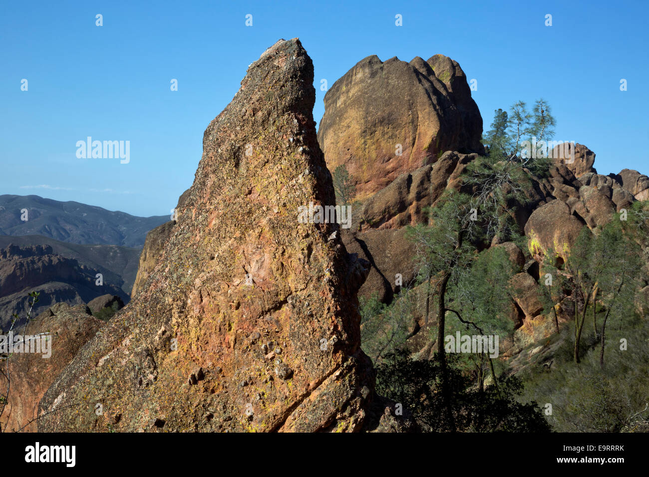 CA02375-00...CALIFORNIA - The rock spires in the High Peaks area from the High Peaks Trail in Pinnacles National - Stock Image