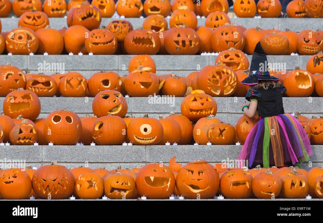 Halloween 1 November.London Uk 1 November 2014 A Day After Halloween A Little