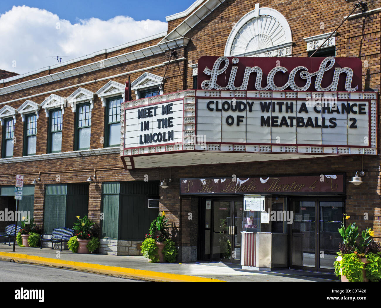 Lincoln Theater in Lincoln Illinois, a town along Route 66 - Stock Image