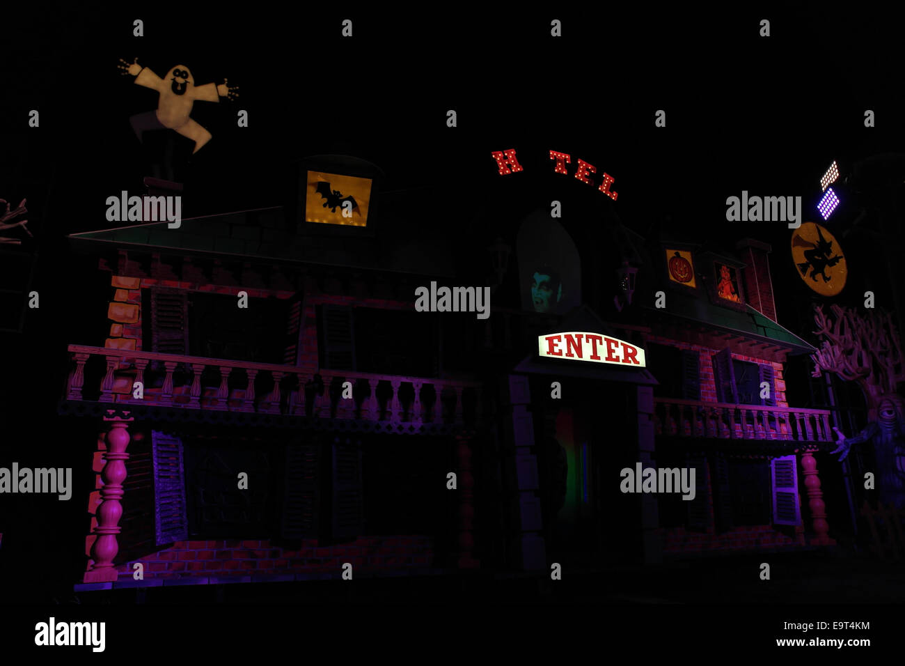 Night view purple lights Haunted Hotel Tableau, with spooky images and speaking Dracula holograph, Blackpool Illuminations, - Stock Image