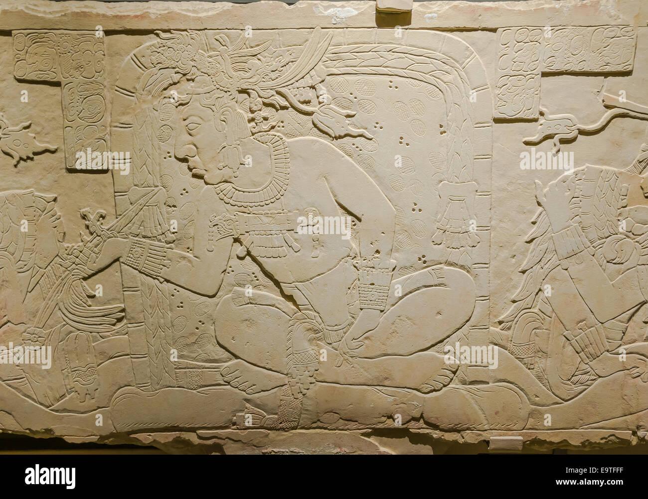 Pierre de l'autosacrifice, détail, exposition 'Mayas', Musée du Quai Branly, Paris - Stock Image