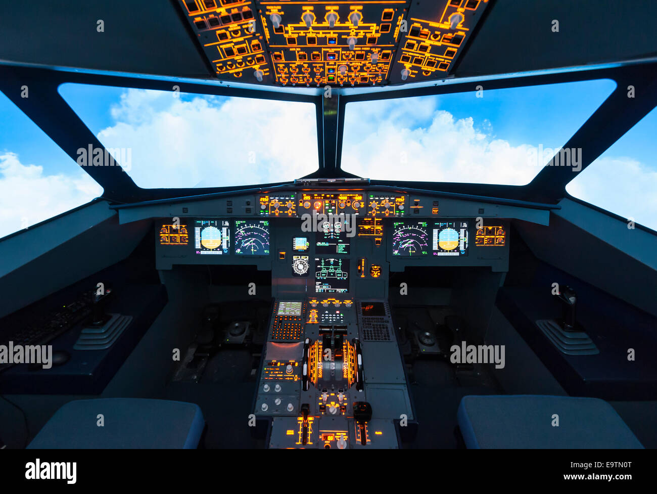 Instrument Panel Cockpit Airbus A320 Stock Photos & Instrument Panel