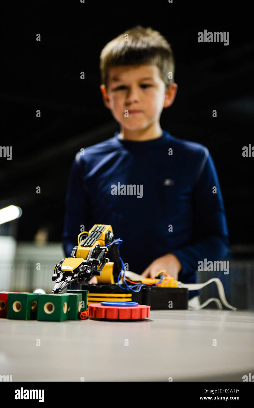 A student at West Hills Science, Technical, Engineering and Math Academy participates in a cooperative robotics Stock Photo
