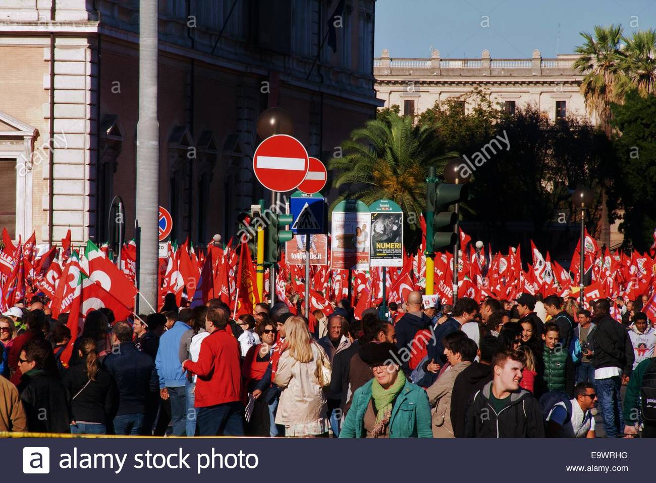 Protesters march against Renzi labor reforms - Stock Image