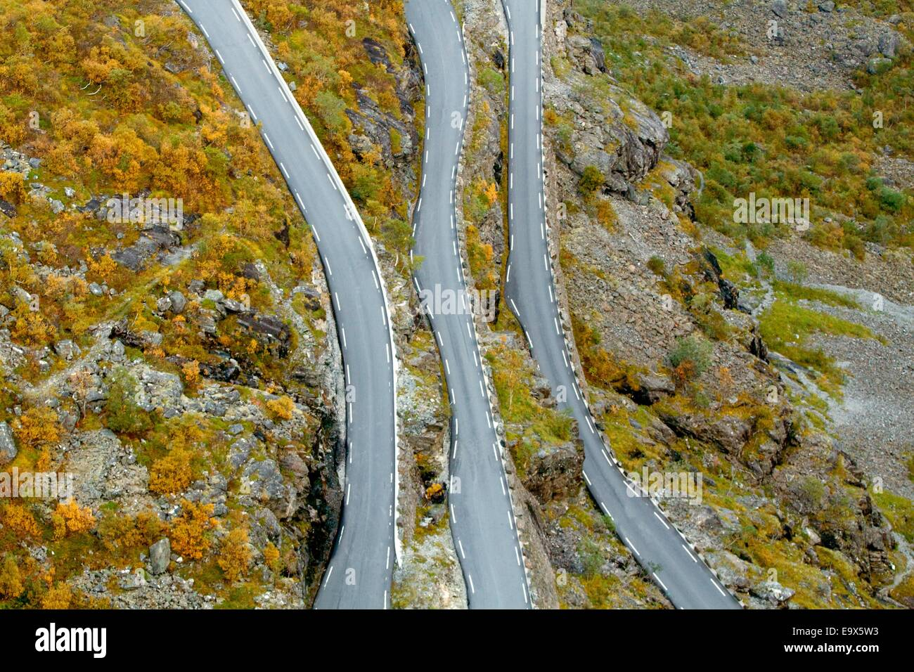 Twisted troll road in Norwegian mountains - Stock Image