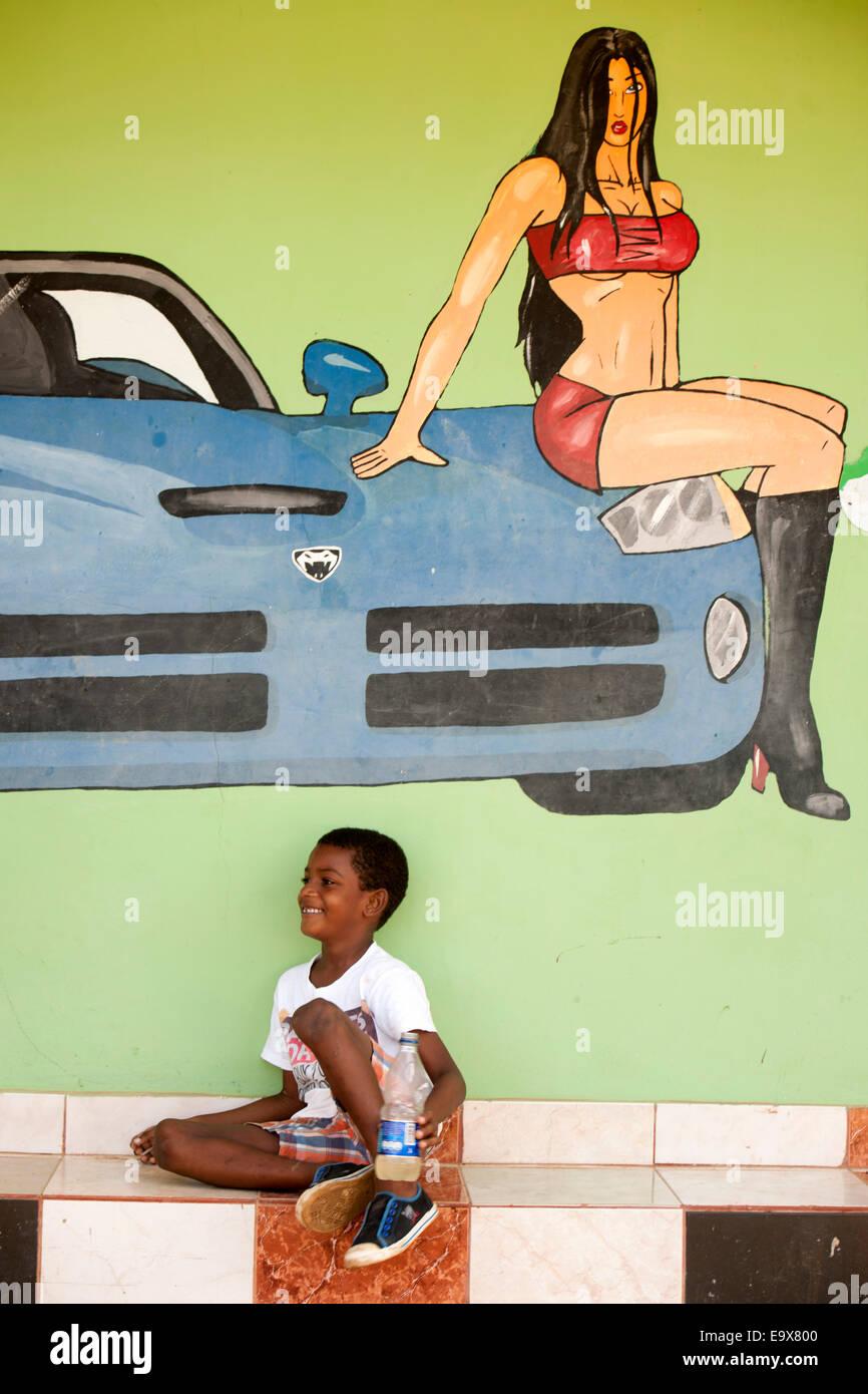 Dominikanische Republik, Osten, El Cedro, Wandmalerei an Club Stock Photo