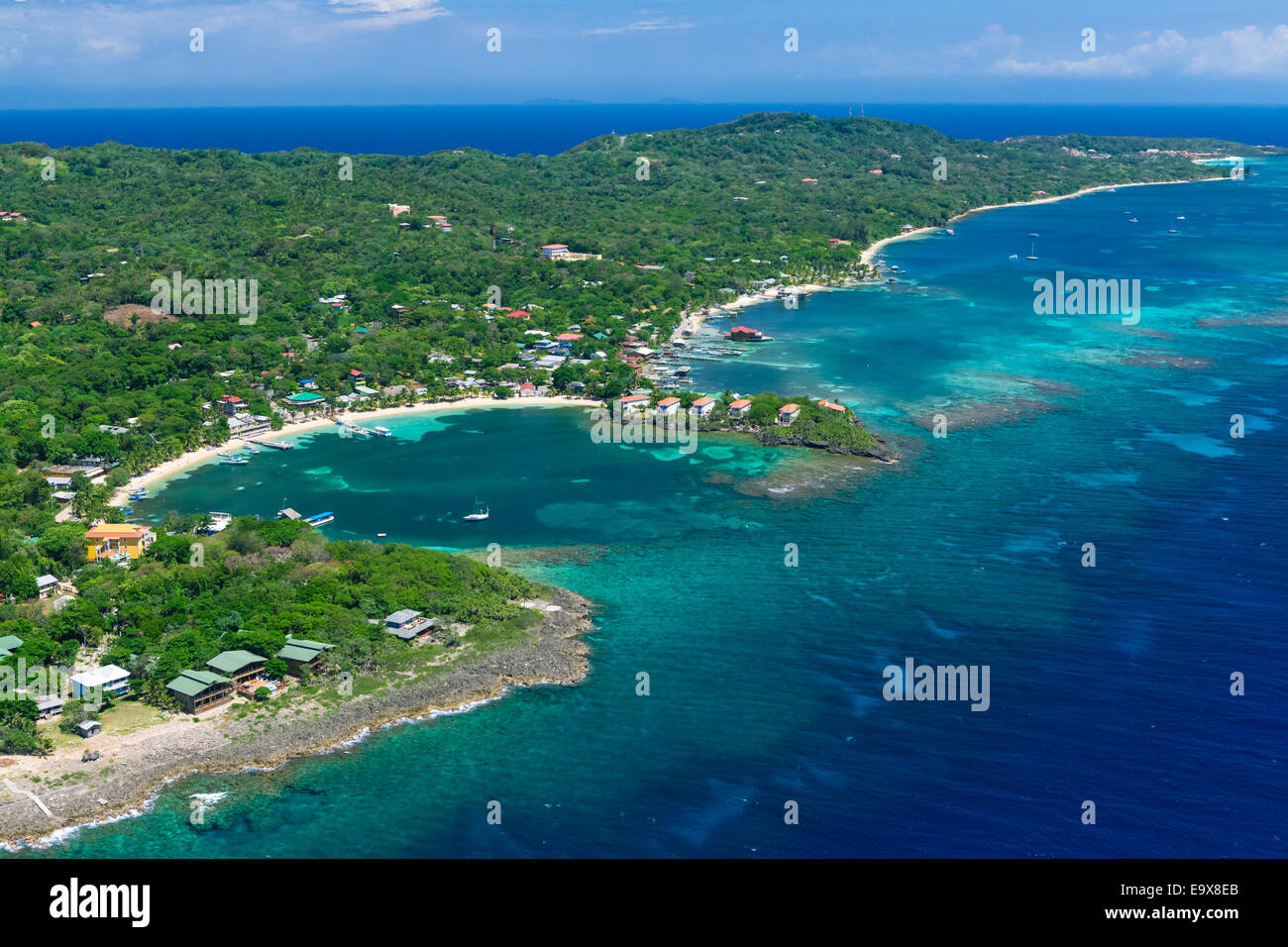 Aerial photo of Roatan's West End at Half Moon Bay - Stock Image