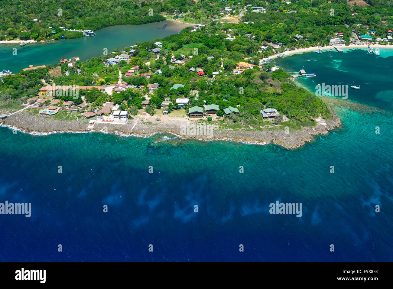 Aerial photo of Half Moon Bay, Roatan Honduras - Stock Image
