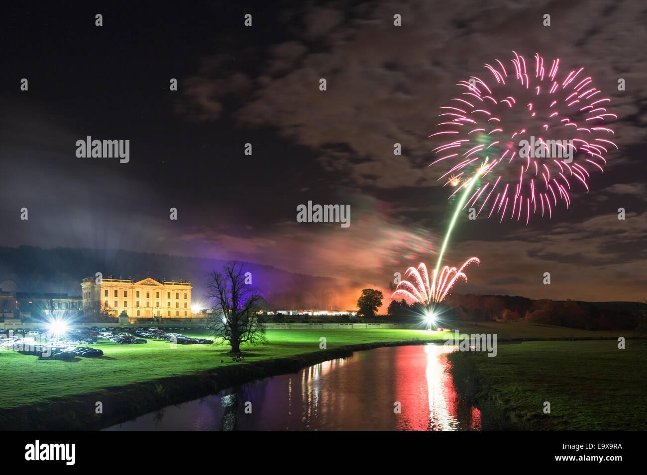 Chatsworth, UK, 2nd November 2014. A spectacular firework display illuminates the skies above Chatsworth House, Stock Photo
