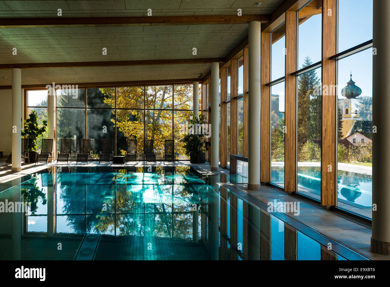 indoor swimming pool stock photos indoor swimming pool stock images alamy. Black Bedroom Furniture Sets. Home Design Ideas