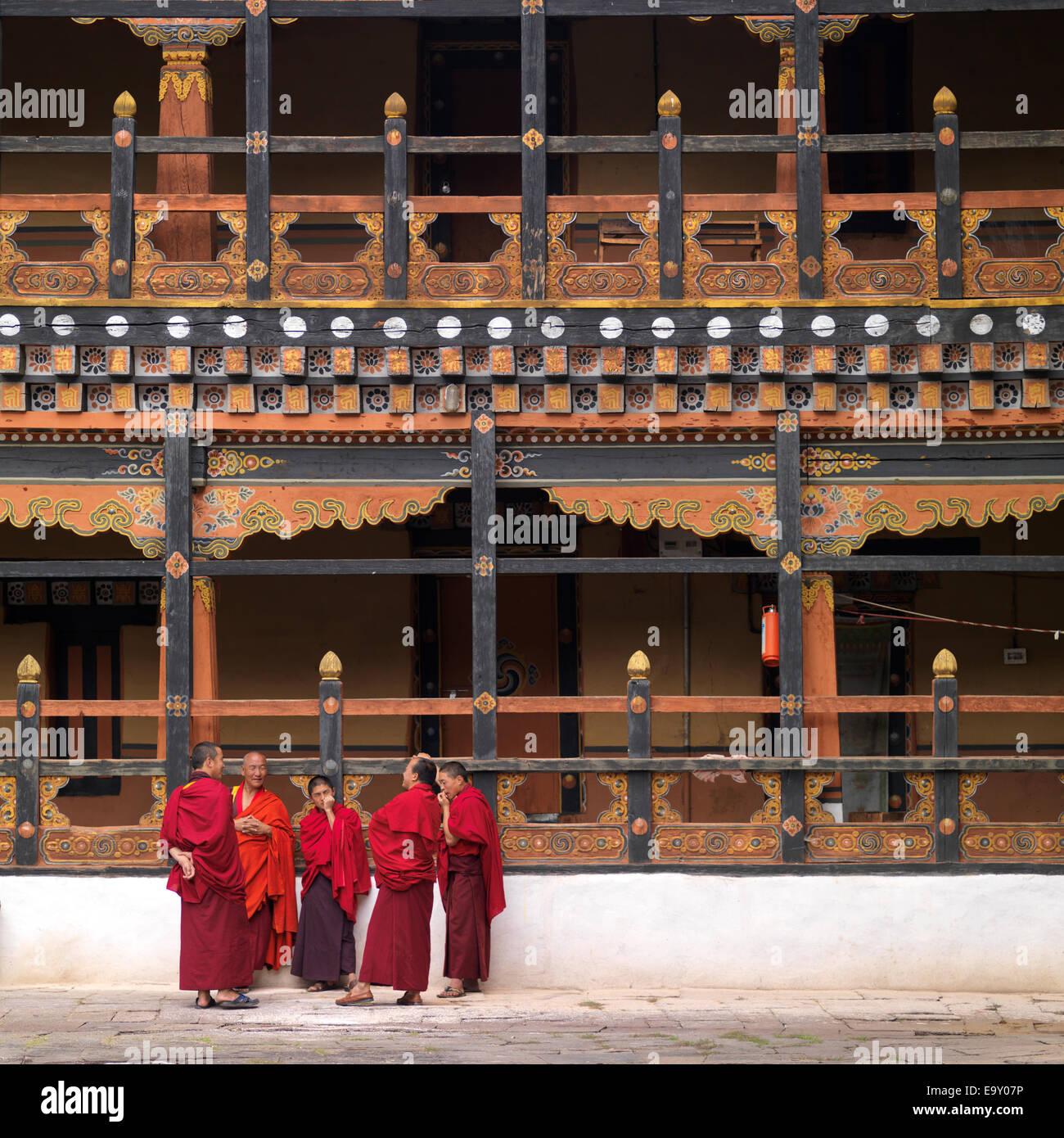 Monks at Rinpung Dzong, Paro Valley, Paro District, Bhutan - Stock Image