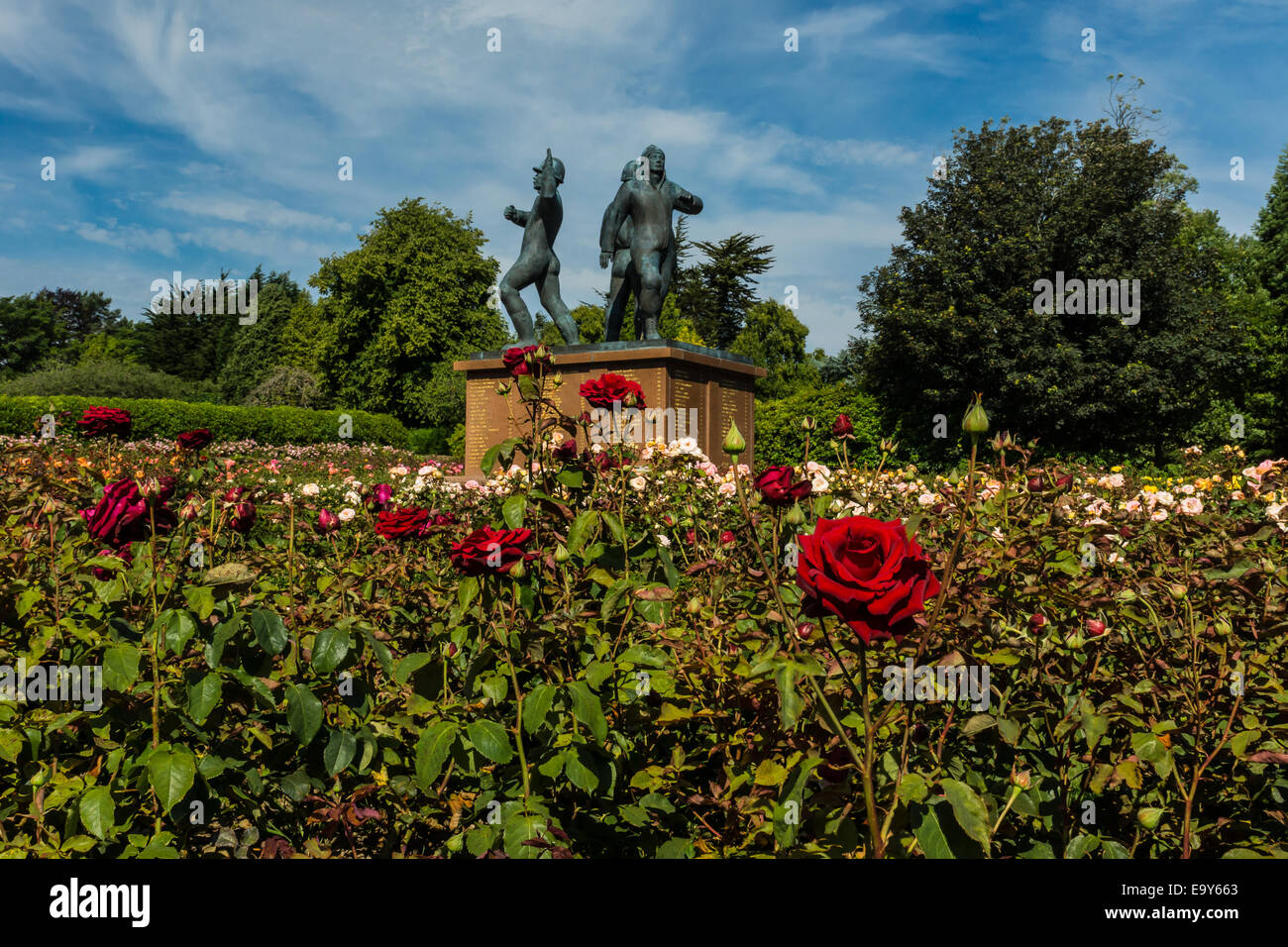 Red roses and the Piper Alpha Memorial in Hazlehead Park Stock Photo ...