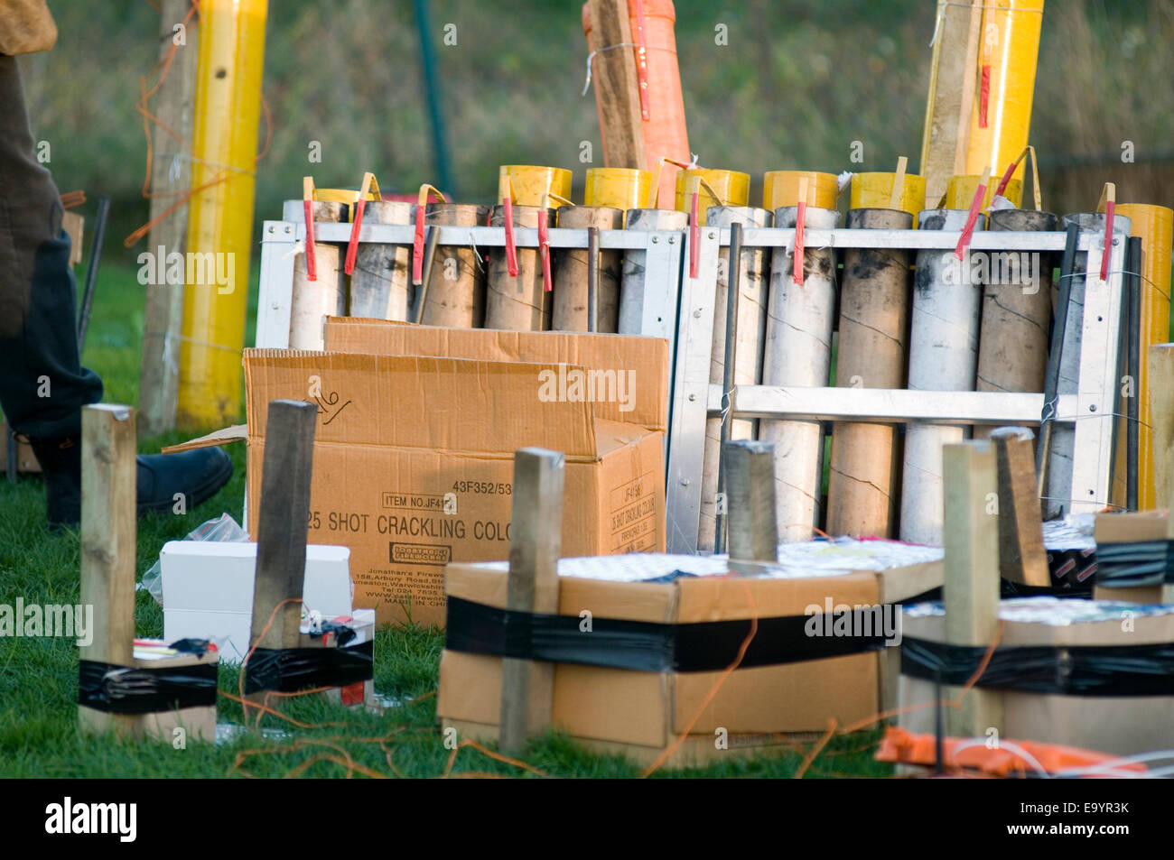 organized organised firework display fireworks displays fire work works professional rockets rocket mortar mortars - Stock Image