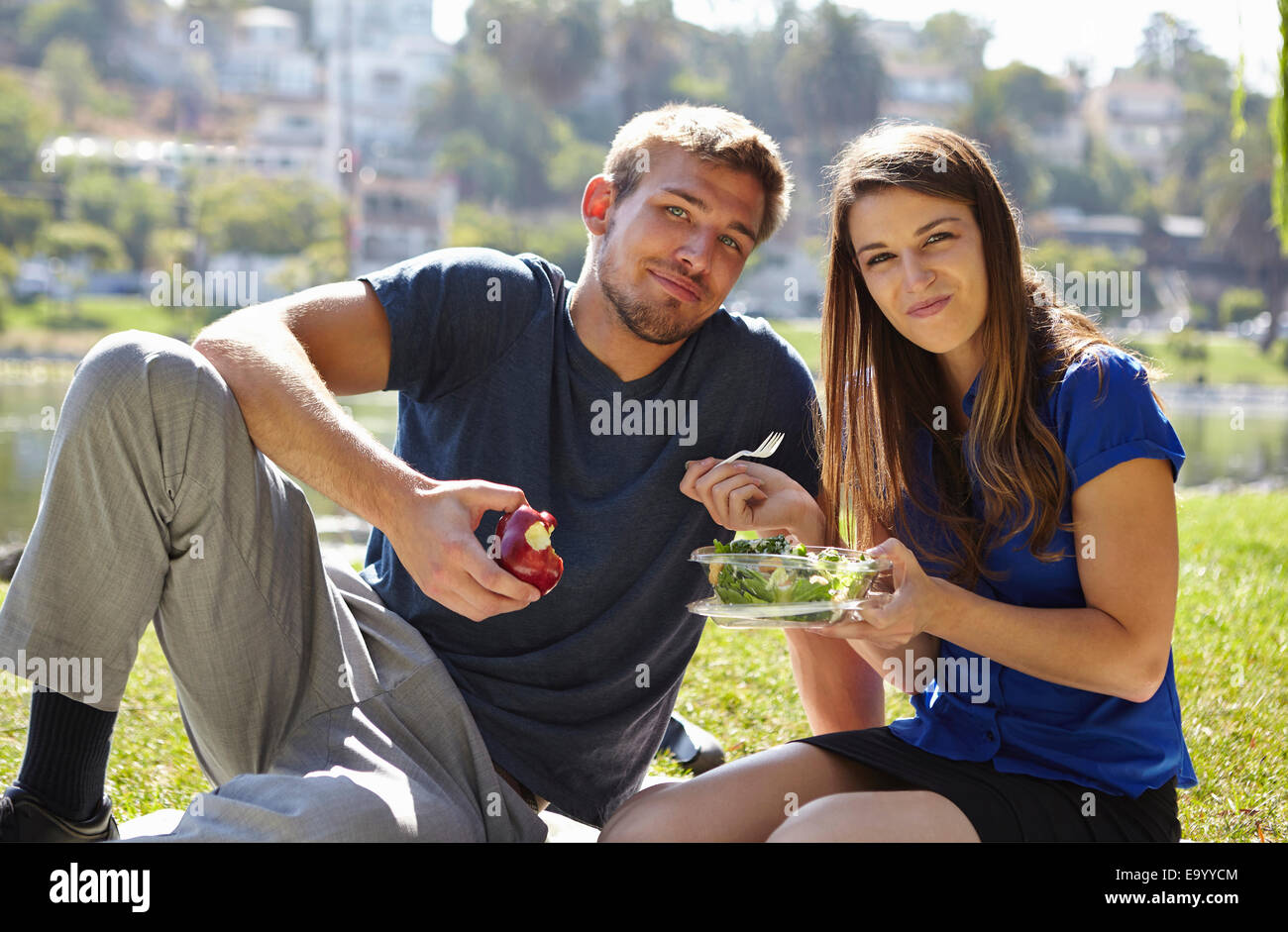 Couple picnicking, Echo Park, Los Angeles, California, US - Stock Image