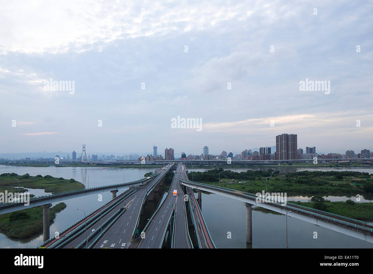 Elevated highways and river, Taipei, Taiwan, China - Stock Image