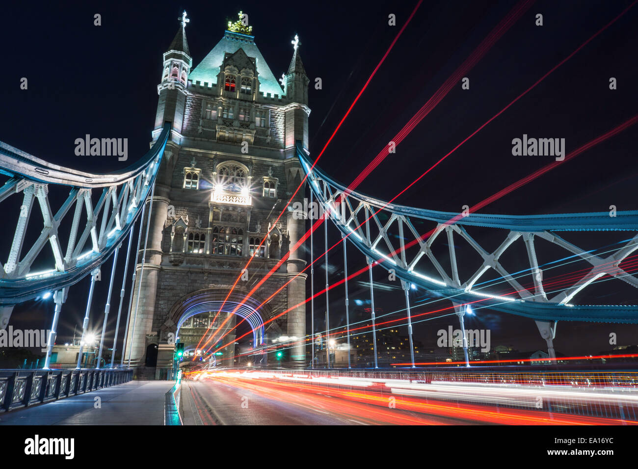 Must see Wallpaper Night London - dramatic-night-shot-of-tower-bridge-london-with-light-trails-EA16YC  Graphic-307648.jpg