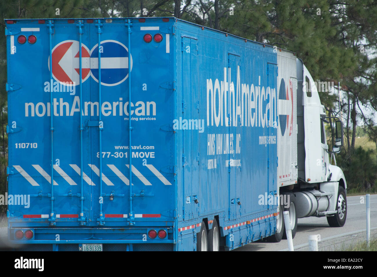 North American Moving >> A North American Moving Services Truck Stock Photo 75033867 Alamy